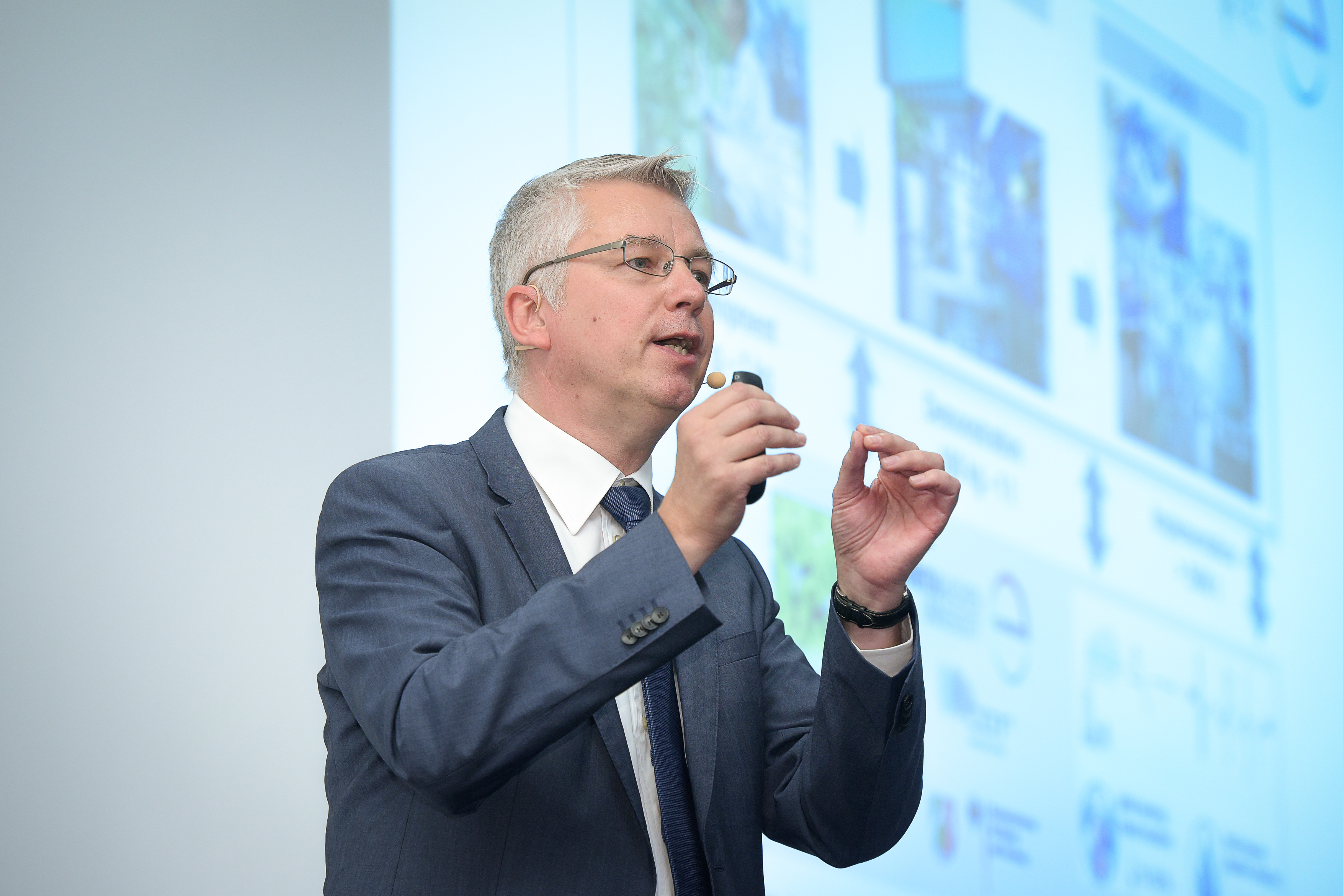 Professor Leitner during his plenary lecture